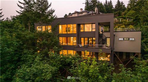 Photo of 5133 145th Place SE, Bellevue, WA 98006 (MLS # 1817578)