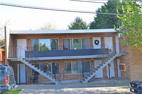 Photo of 2611 NE 65th Street, Seattle, WA 98115 (MLS # 1762580)