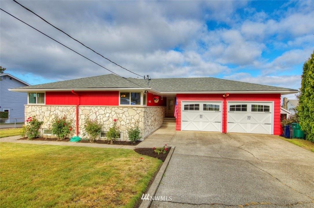 Photo of 18629 2nd Avenue SW, Normandy Park, WA 98166 (MLS # 1789580)