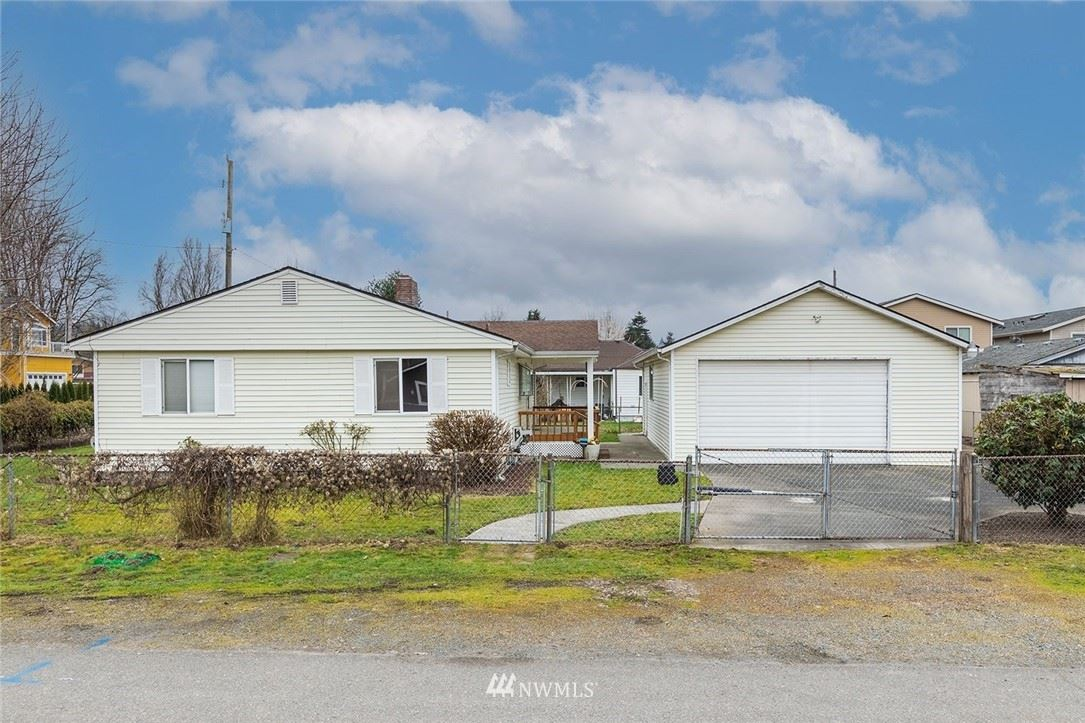 Photo of 4616 S 124th Street, Tukwila, WA 98178 (MLS # 1744582)