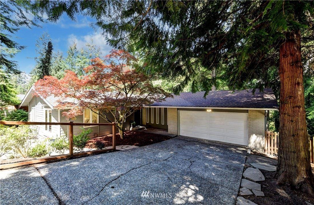 Photo of 15904 SE 42nd PL, Bellevue, WA 98006 (MLS # 1777586)