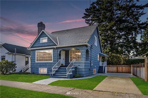 Photo of 4607 Woodlawn Avenue N, Seattle, WA 98103 (MLS # 1719588)