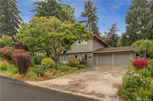 Photo of 17134 NE 8th Place, Bellevue, WA 98008 (MLS # 1613589)