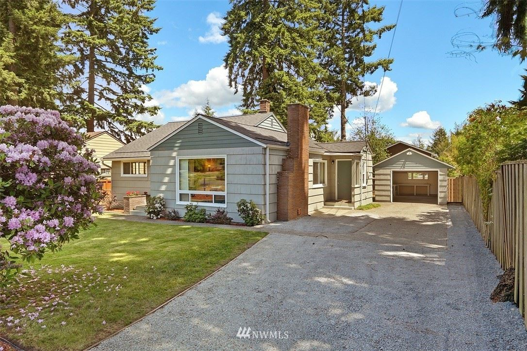 Photo of 14056 Corliss Avenue N, Seattle, WA 98133 (MLS # 1787589)