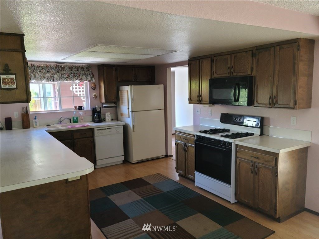 Photo of 24410 9th Place S, Des Moines, WA 98198 (MLS # 1775590)
