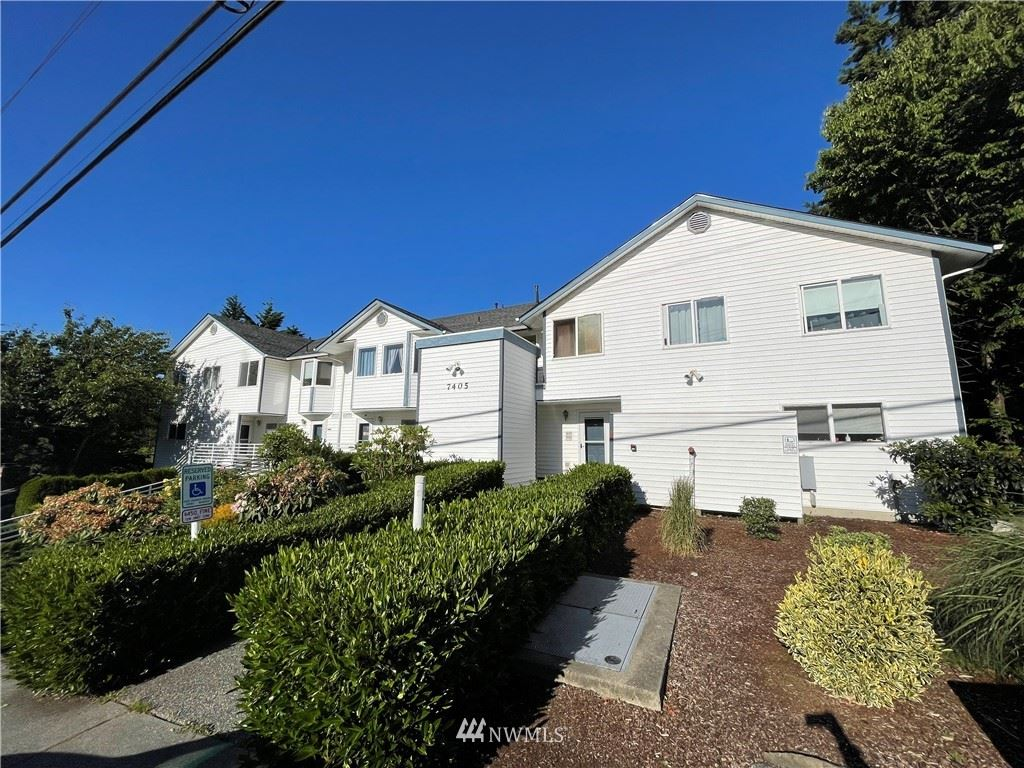 Photo of 7405 Beverly Lane #202, Everett, WA 98201 (MLS # 1789590)