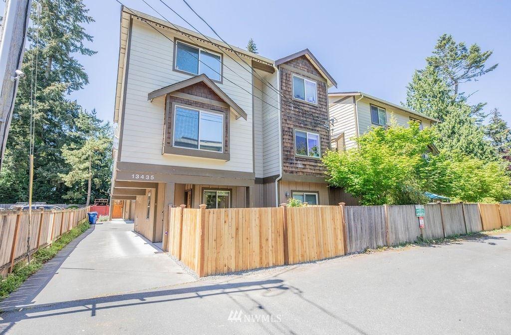 Photo of 13435 Greenwood Avenue N #H, Seattle, WA 98133 (MLS # 1774593)