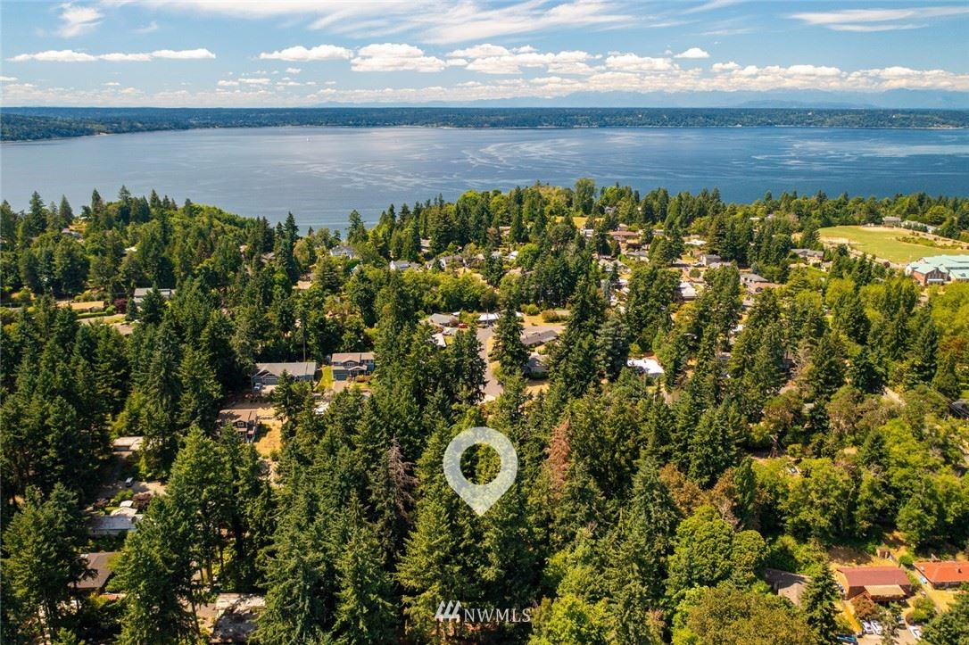 Photo of 20120 2nd Avenue SW, Normandy Park, WA 98166 (MLS # 1805594)