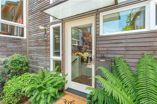 Photo of 1907 E Pine St, Seattle, WA 98122 (MLS # 1542595)