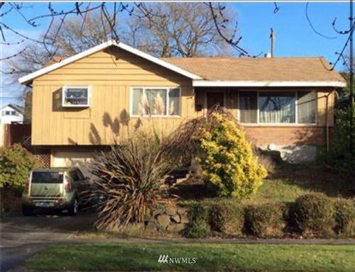 Photo of 9244 20th Avenue SW, Seattle, WA 98106 (MLS # 1665595)