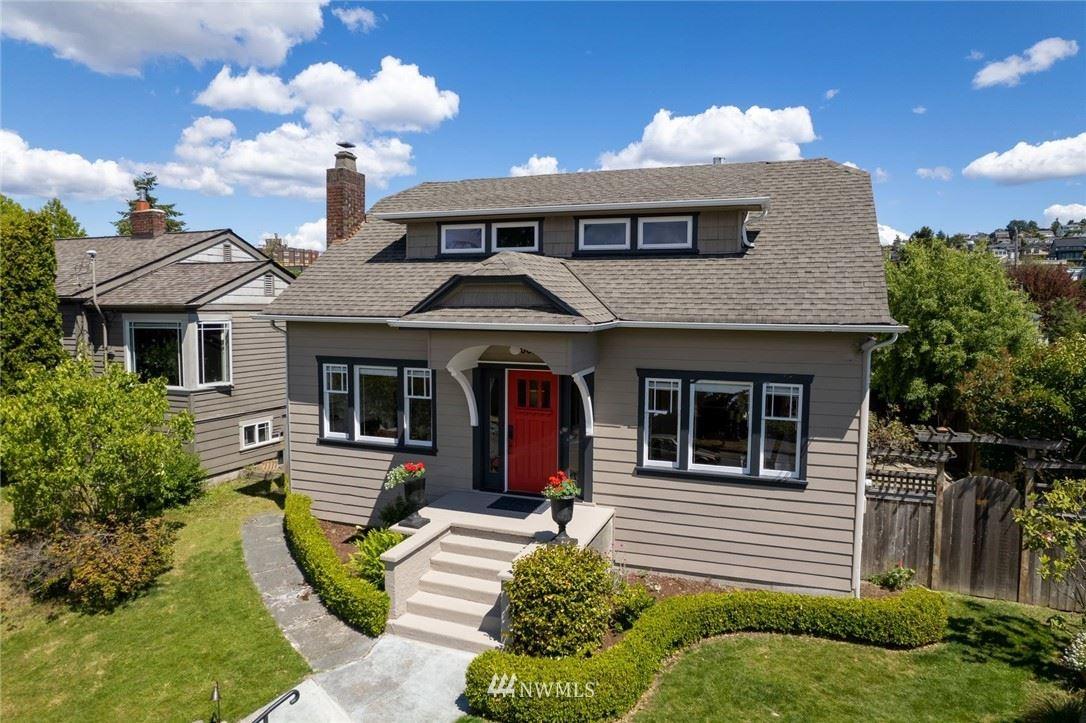 Photo of 6620 Fauntleroy Way SW, Seattle, WA 98136 (MLS # 1785596)