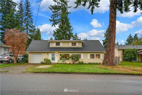 Photo of 1725 147th Place SE, Bellevue, WA 98007 (MLS # 1849601)