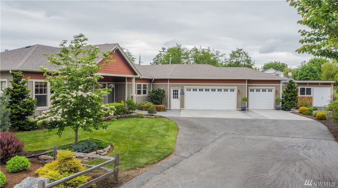 Photo of 1807 Aemmer Place, Mount Vernon, WA 98274 (MLS # 1604602)