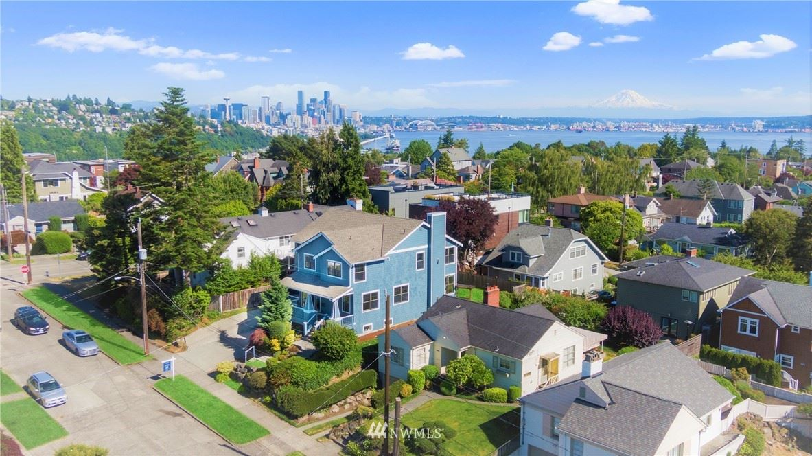 Photo of 2809 W Lynn Street, Seattle, WA 98199 (MLS # 1791603)