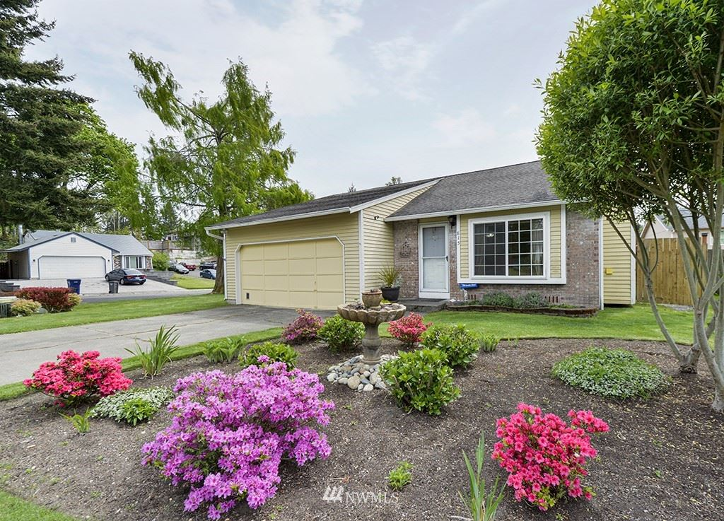Photo of 815 SW 317th Place, Federal Way, WA 98023 (MLS # 1763604)