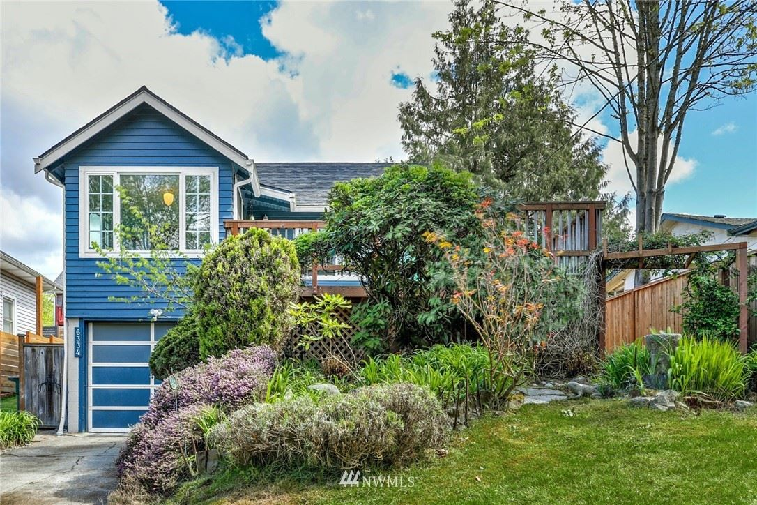 Photo of 6334 24th Ave SW, Seattle, WA 98106 (MLS # 1759605)