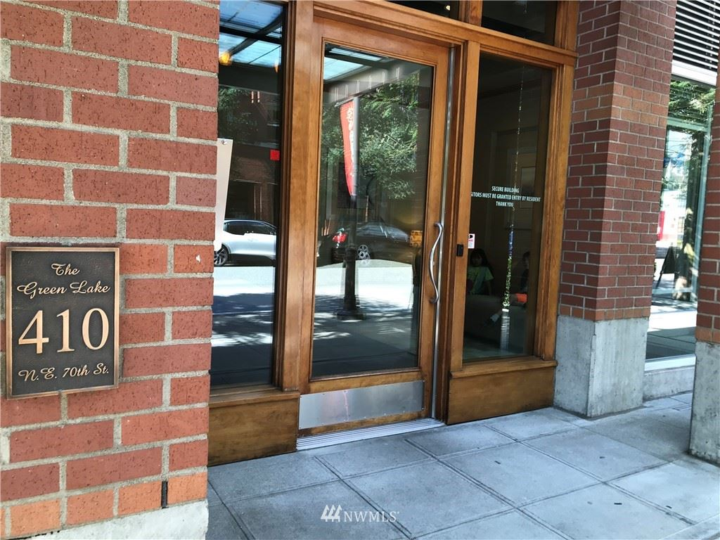 410 NE 70th Street #305, Seattle, WA 98115 - #: 1802609