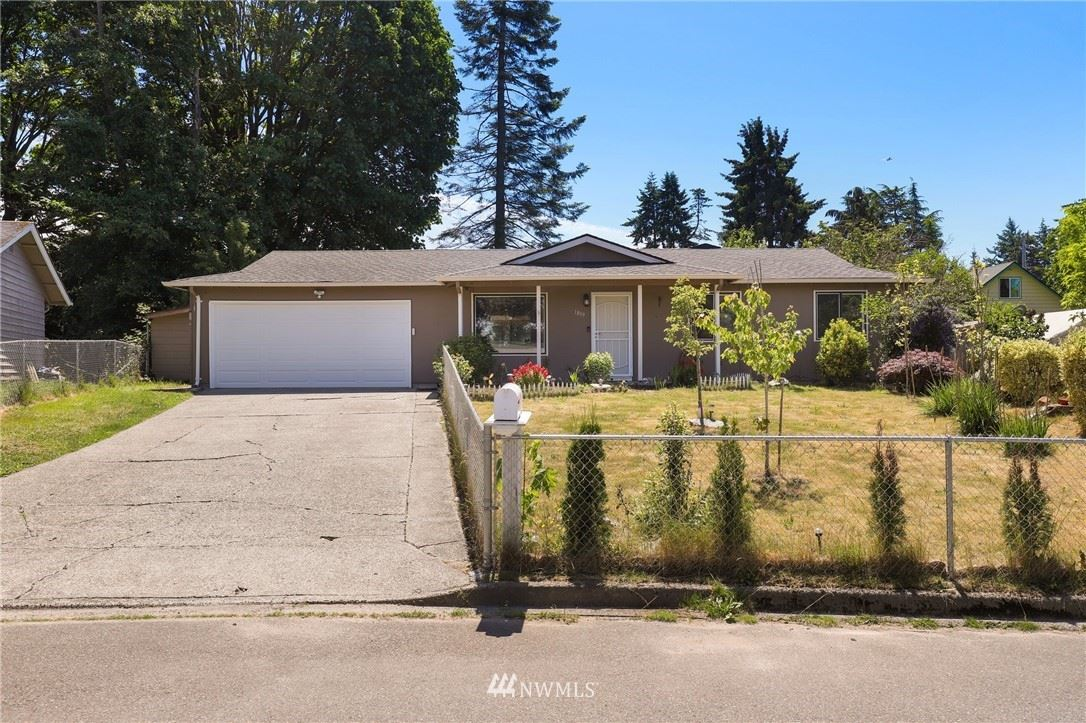 Photo of 1809 S 255th Place, Des Moines, WA 98198 (MLS # 1781611)