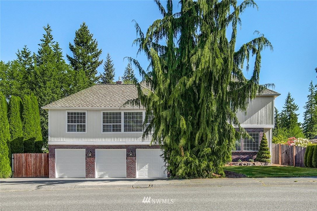 Photo of 4133 122nd Place SE, Everett, WA 98208 (MLS # 1782611)