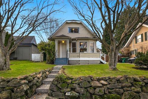 Photo of 2323 Walnut Avenue SW, Seattle, WA 98116 (MLS # 1717612)