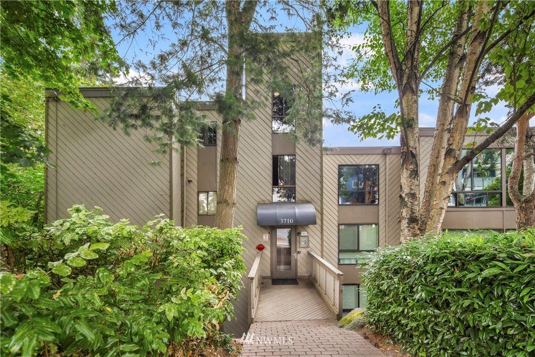 3710 26th Place W #204, Seattle, WA 98199 - #: 1811616