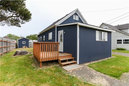 Photo of 1102 Washington Ave S, Long Beach, WA 98631 (MLS # 1550618)