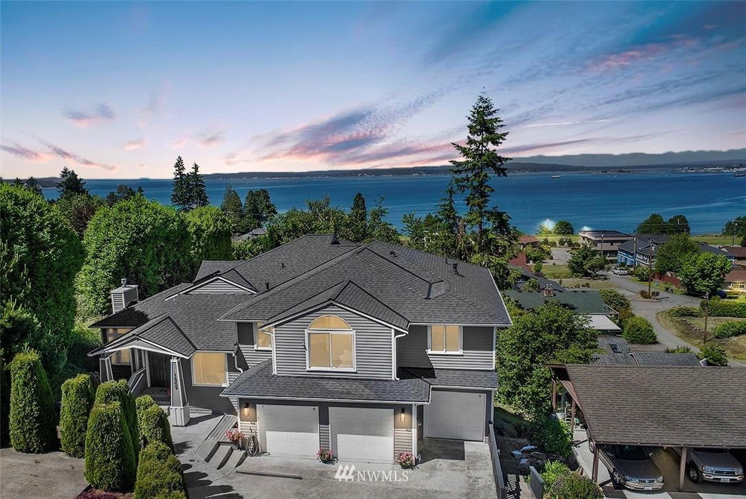 Photo of 1809 Holbrook Avenue, Everett, WA 98203 (MLS # 1792620)