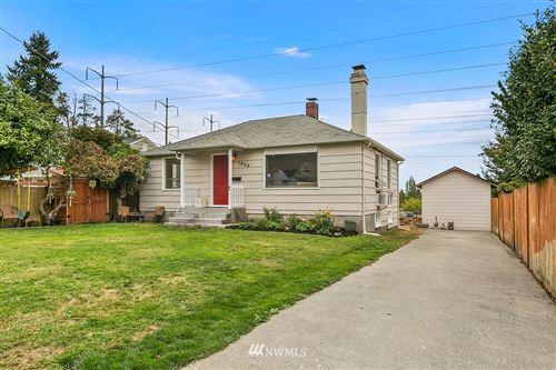 Photo of 7000 S 120th Place, Seattle, WA 98178 (MLS # 1843621)