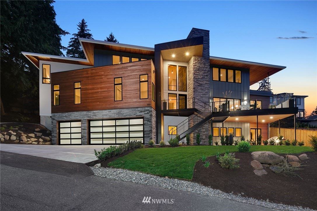Photo of 550 99th Avenue SE, Bellevue, WA 98004 (MLS # 1656621)