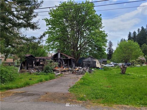 Photo of 930 3rd Avenue SW, Castle Rock, WA 98611 (MLS # 1775626)