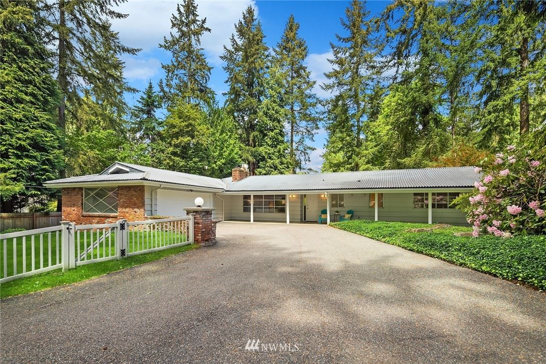 Photo of 3704 187th Street, Lake Forest Park, WA 98155 (MLS # 1779627)