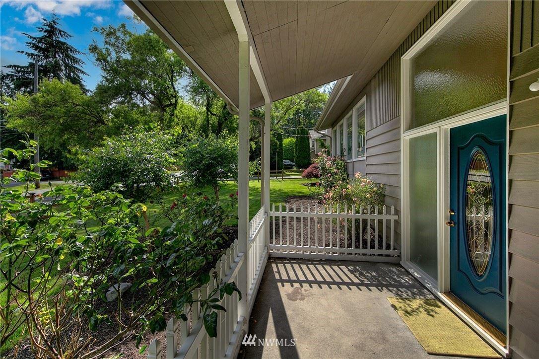 Photo of 3204 NE 190th Street, Lake Forest Park, WA 98155 (MLS # 1791630)