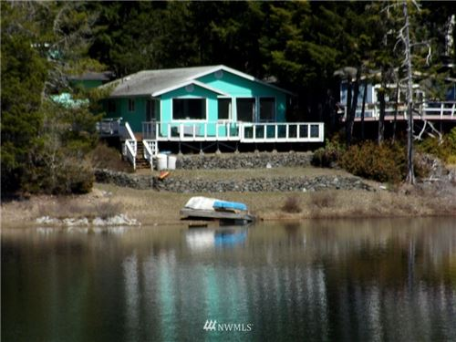 Photo of 330 NE Lakeshore Drive N, Tahuya, WA 98588 (MLS # 1759632)