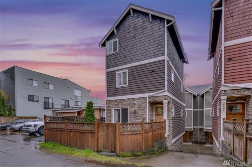 Photo of 2024 Eastlake Ave E, Seattle, WA 98102 (MLS # 1542633)
