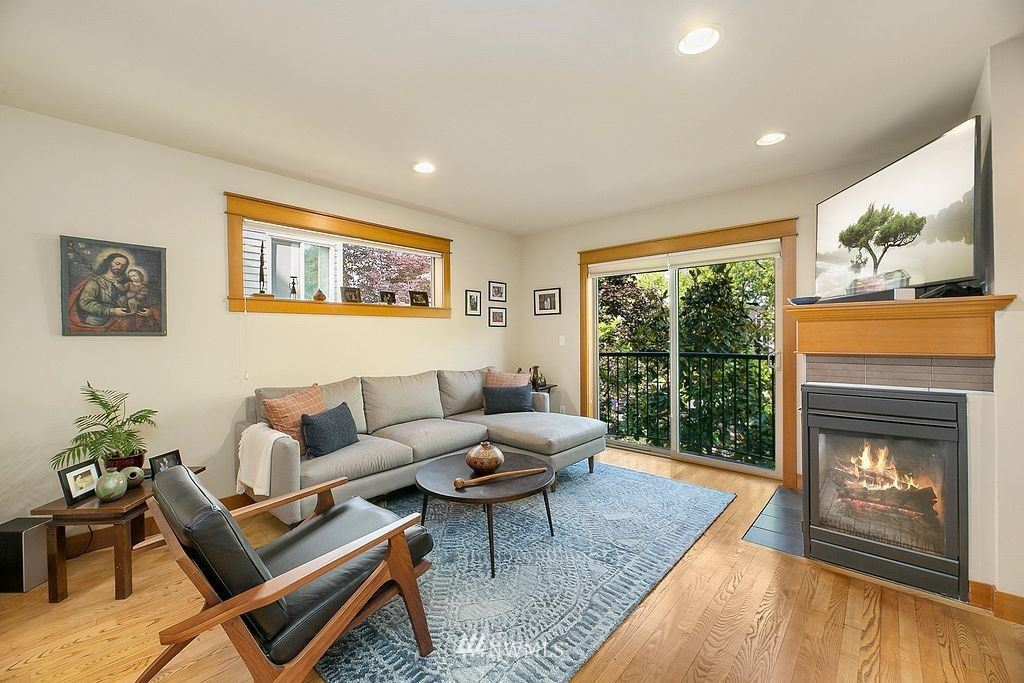Photo of 1715 18th Avenue, Seattle, WA 98122 (MLS # 1789633)