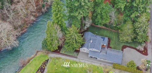 Photo of 23409 Dorre Don Way SE, Maple Valley, WA 98058 (MLS # 1719634)