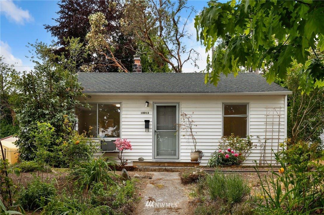 Photo of 10013 32nd Avenue SW, Seattle, WA 98146 (MLS # 1774636)
