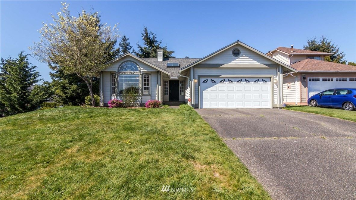 Photo of 1215 SW 347th Place, Federal Way, WA 98023 (MLS # 1750639)