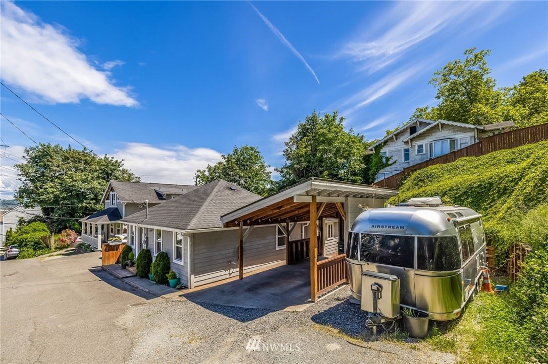 Photo of 3017 SW Hinds Street, Seattle, WA 98126 (MLS # 1819640)