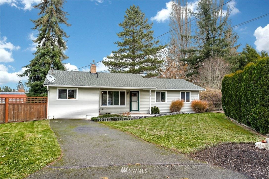 Photo of 26704 16th Place S, Des Moines, WA 98198 (MLS # 1692642)