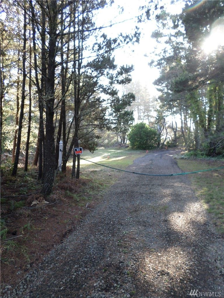 Photo of 210 XX 210th Place, Ocean Park, WA 98640 (MLS # 1092644)