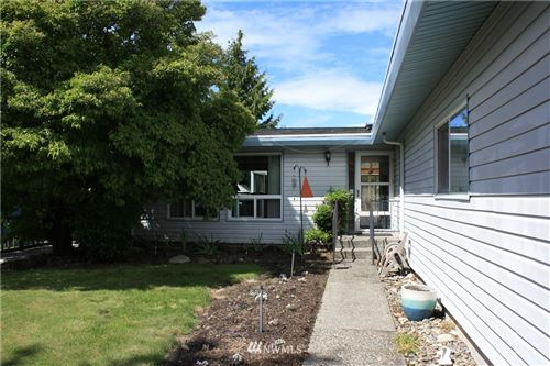 Photo of 632 S 189th Street, Burien, WA 98148 (MLS # 1759646)