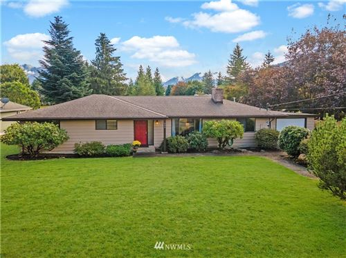 Photo of 480 Si View Place SE, North Bend, WA 98045 (MLS # 1661649)