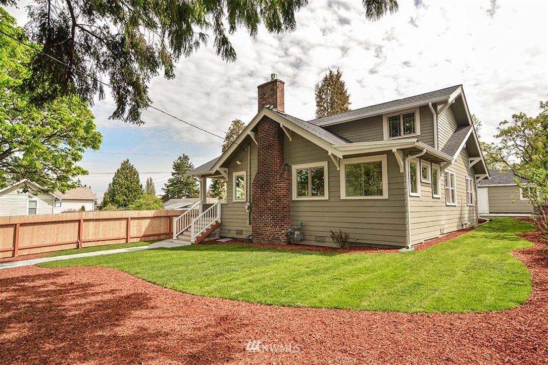 Photo of 10204 44th Avenue SW, Seattle, WA 98146 (MLS # 1765655)
