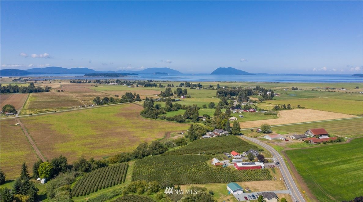Photo of 15628 Bow Hill Road, Bow, WA 98232 (MLS # 1652656)