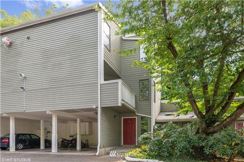 Photo of 10029 NE 124th Place #402, Kirkland, WA 98034 (MLS # 1840657)