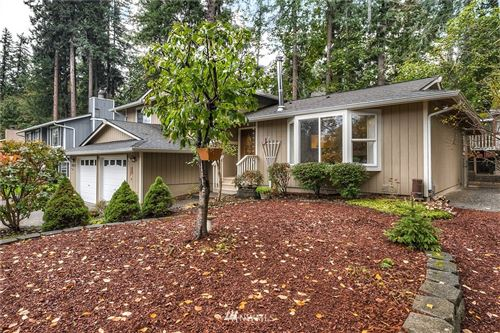 Photo of 26237 222nd Place SE, Maple Valley, WA 98038 (MLS # 1680661)