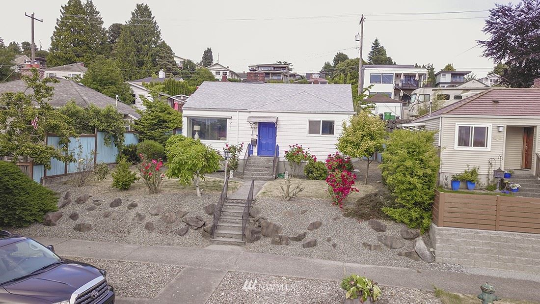 Photo of 4822 47th Avenue SW, Seattle, WA 98116 (MLS # 1792661)