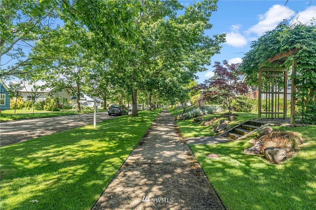 Photo of 2227 Mcdougall Ave, Everett, WA 98201 (MLS # 1788662)