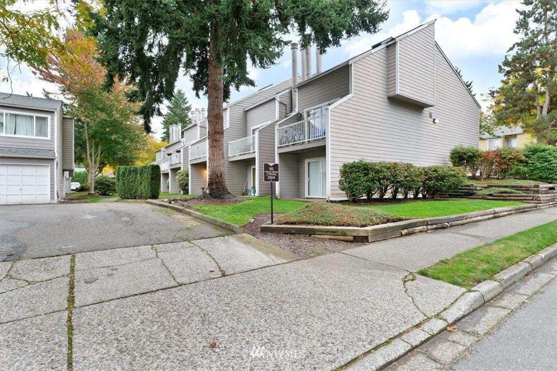 Photo of 902 Pike Street NE #E-7, Auburn, WA 98002 (MLS # 1854665)